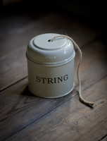 String Dispenser & Tin